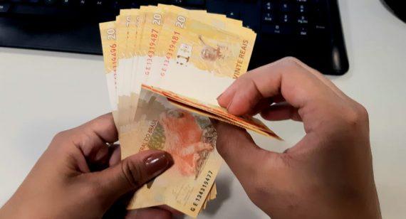 Pagamento do funcionalismo público do Estado será no dia 20; o terço de férias também será pago no mesmo dia