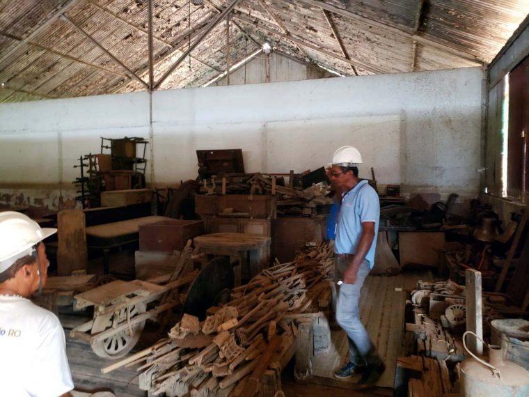 EFMM – Peças históricas estão abandonadas