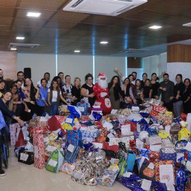 Servidores do governo de Rondônia presenteiam crianças carentes em adesão à campanha Papai Noel dos Correios