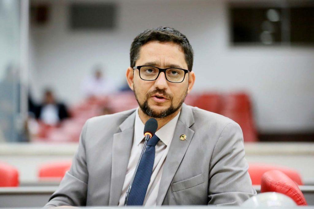 Anderson Pereira vota favorável a Refaz que vai beneficiar pequenos e médios empresários
