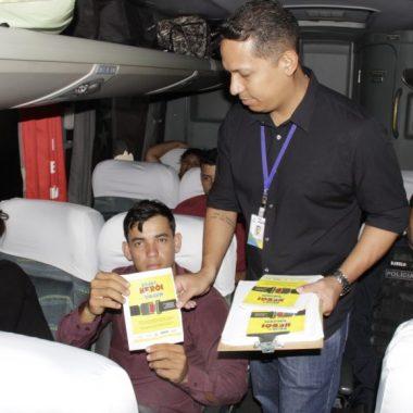 Operação Rodovida conscientiza passageiros para viagem com segurança no fim de ano