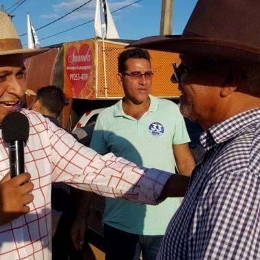 POLÍTICA – Pesquisa aponta disputa acirrada para prefeito em Candeias, Valteir Queiroz larga na frente