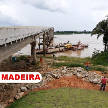 Balsa se choca com pilar de ponte no Rio Madeira e quase causa tragédia; confira vídeo