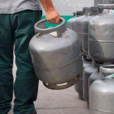 Petrobras reajusta preço e gás de cozinha fica 5% mais caro a partir de hoje