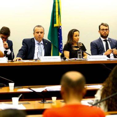 Debate sobre Contrato Verde e Amarelo divide opiniões na Câmara