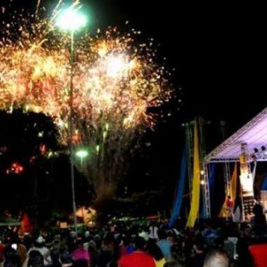 RÉVEILLON – Megafesta na avenida Sete de Setembro com Farquar