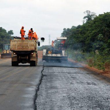 Governo de Rondônia inicia pavimentação da rodovia Expresso Porto beneficiando hospitais da região, em Porto Velho