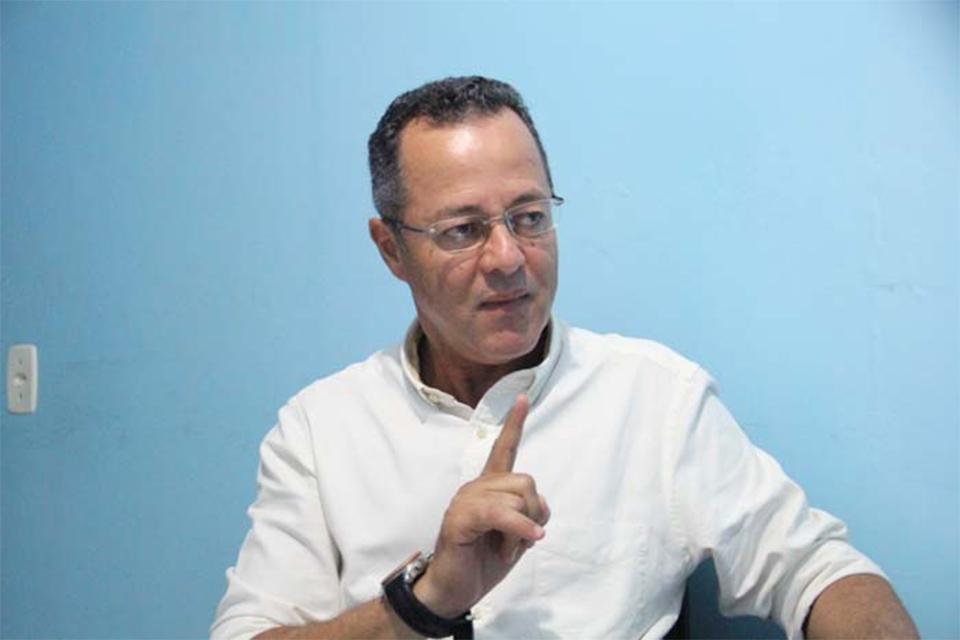Justiça de Rondônia anula decisão do Tribunal de Contas do Estado que aplicou débitos e multas ao ex-prefeito Roberto Sobrinho