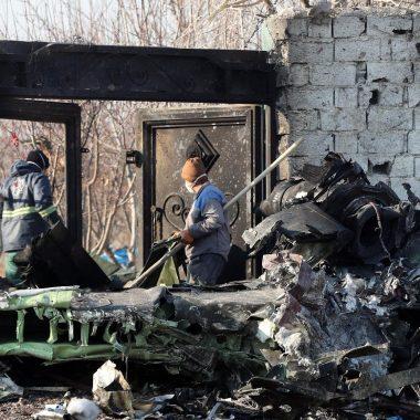 ATENTADO? – Boeing ucraniano com 176 passageiros a bordo cai após decolar no Irã