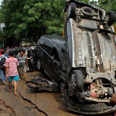 Pelo menos 16 mortos em inundações na capital da Indonésia