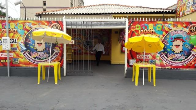 Criminosos invadem sede da Banda do Vai Quem Quer e roubam móveis e acervo