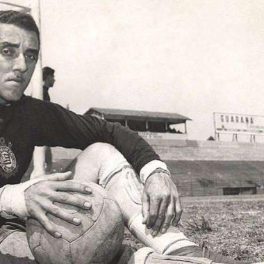 Histórico goleiro do Corinthians e primeiro a usar luvas no Brasil, Cabeção morre aos 89 anos