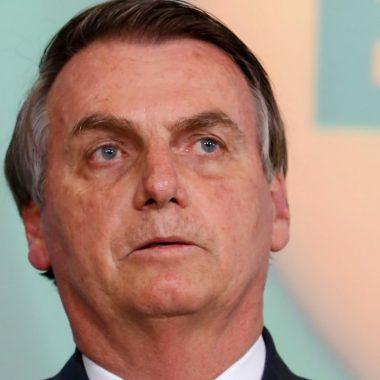 Bolsonaro diz que ataque dos EUA no Iraque 'vai impactar' preço dos combustíveis no Brasil