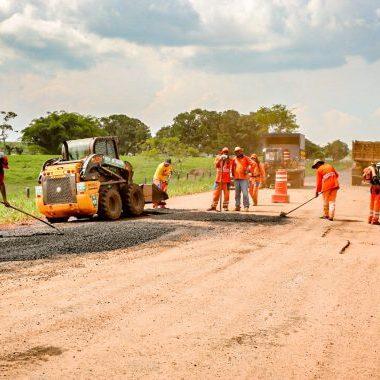 DER retoma serviços de manutenção na rodovia 471 de Cacoal a Ministro Andreazza