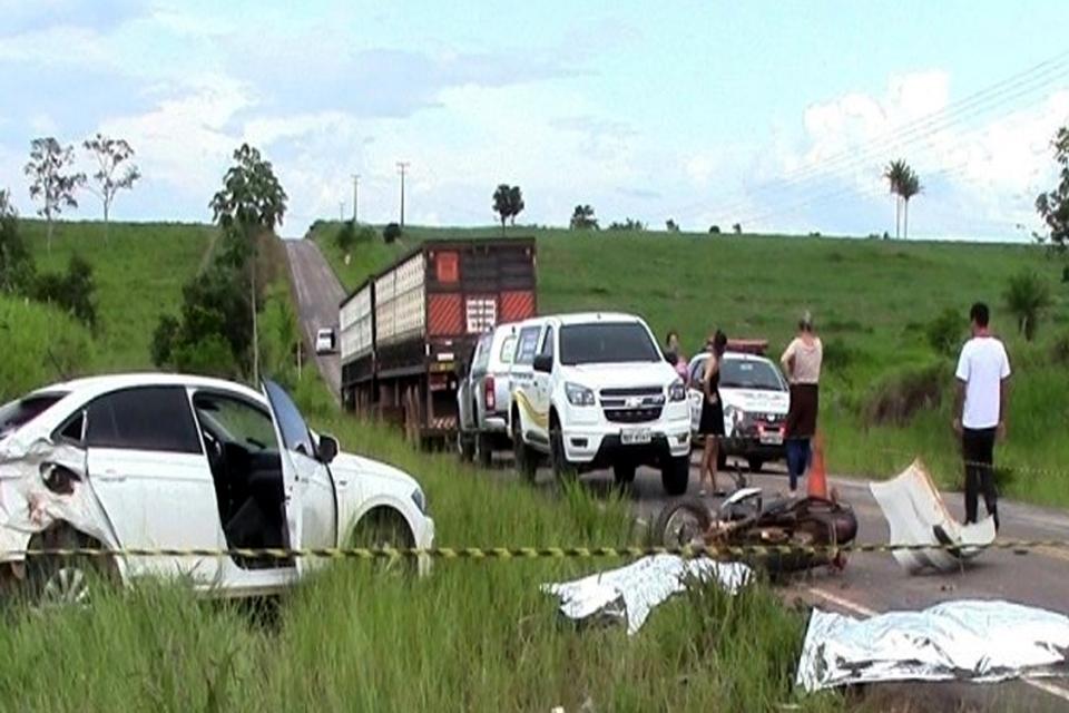 Pai e filho morrem em grave acidente na RO-010