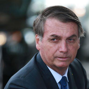 """Bolsonaro diz que Congresso vai """"sepultar"""" taxação de energia solar"""