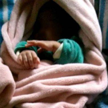 Bebê arrancado da barriga da mãe vai para adoção em Porto Velho