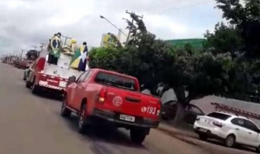 Cortejo em caminhão dos Bombeiros e com escolta da PM marca sepultamento do policial penal Duarte