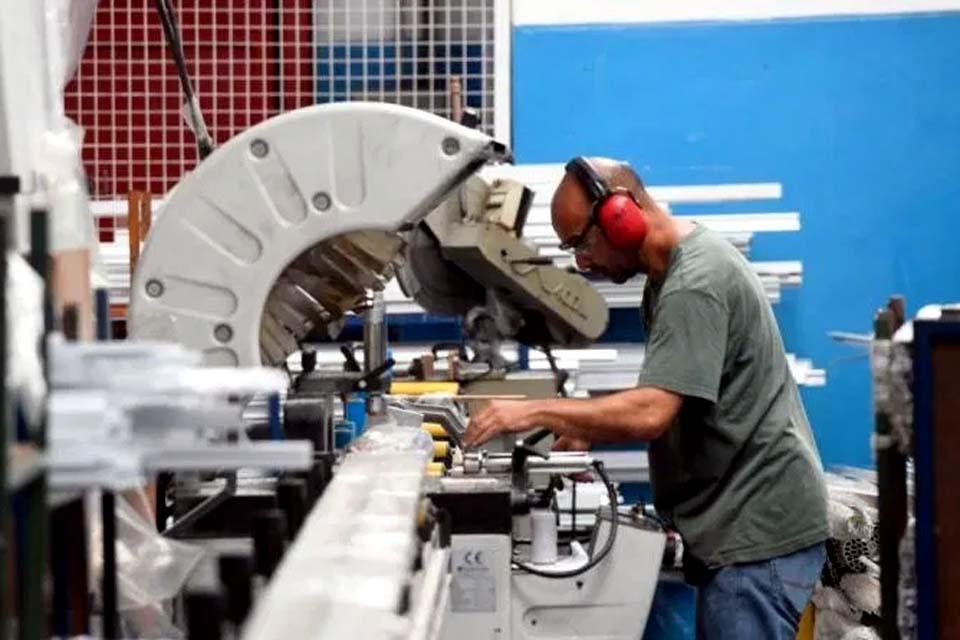Ociosidade na indústria atinge em novembro menor nível desde 2018