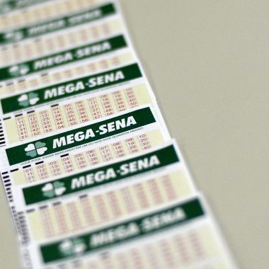 Mega-Sena deve pagar R$ 27 milhões neste sábado