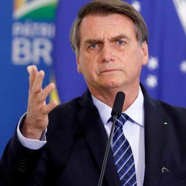 Bolsonaro ataca imprensa e diz que jornalistas são 'raça em extinção'