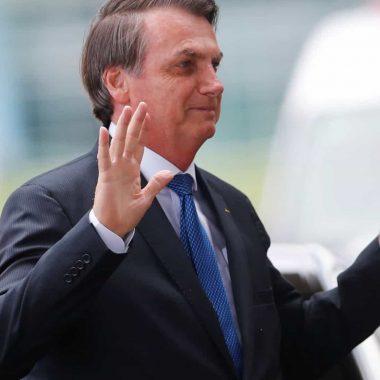 Bolsonaro indica aprovar fundo eleitoral de R$ 2 bilhões
