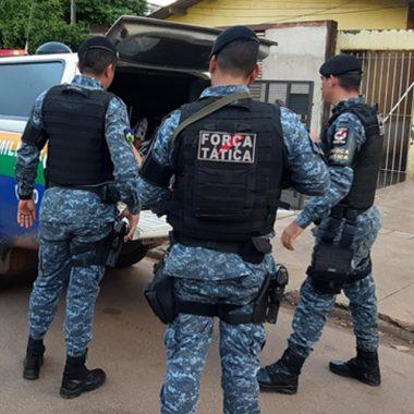 Homem é capturado por populares após tentar matar a facadas vendedor de pão