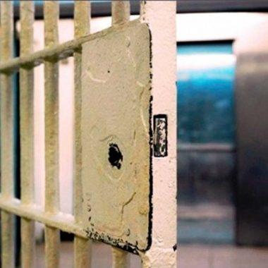 Cinco presos fogem de dois presídios em Goiás