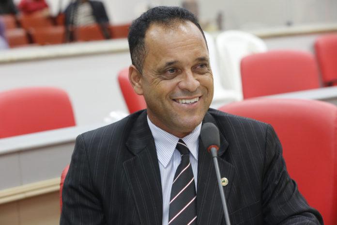 Saulo Moreira deve tomar posse em fevereiro no lugar do deputado condenado Edson Martins