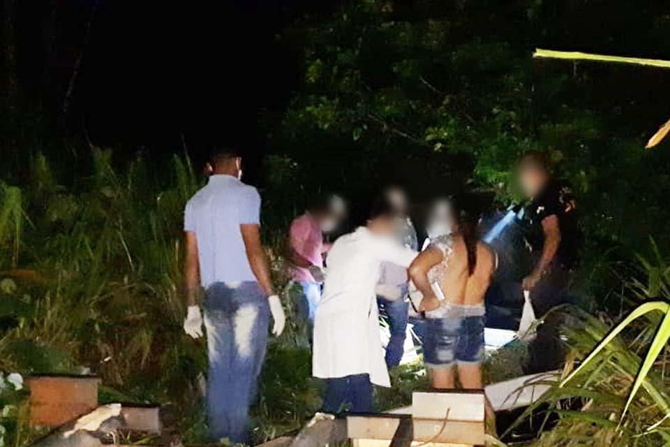 Corpo de mulher é encontrado sem cabeça dentro de rio na RO-473