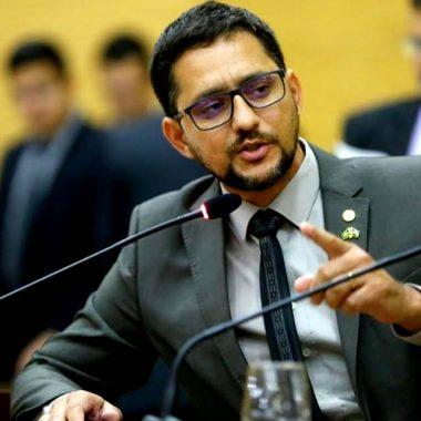 Deputado Anderson quer explicação sobre situação caótica do transporte público de Candeias Jamari