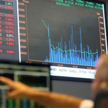 Bovespa despenca mais de 5% na reabertura dos mercados no Brasil