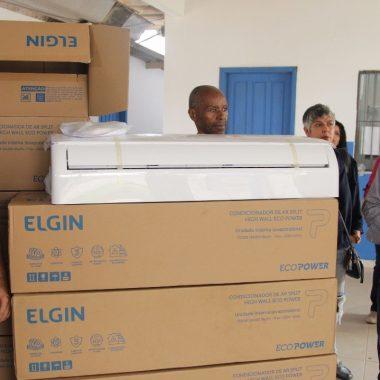 CLIMATIZAÇÃO – Deputado Anderson entrega lote de centrais de ar-condicionado de última geração na Escola Rio Branco