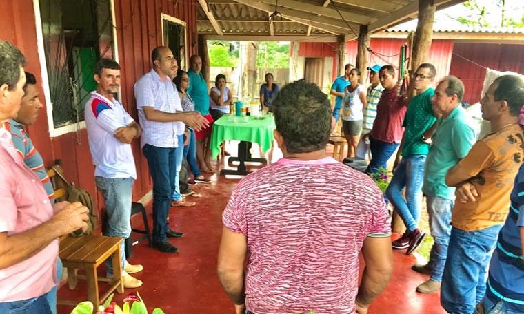 Deputado Ismael Crispin visita a Vila de Samuel e lamenta déficit de educação e segurança