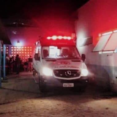 GUERRA DE FACÇÕES – Criminosos atacam grupo a tiros, matam um e deixam três feridos