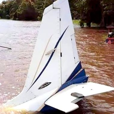 Avião com três pessoas cai em Rondônia