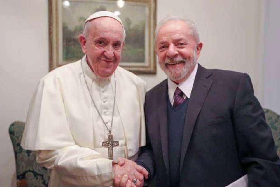 Lula se encontra com o Papa Francisco no Vaticano