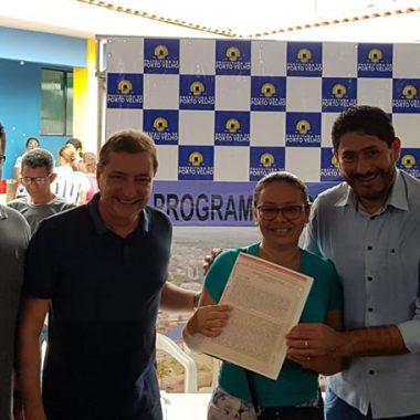 REGULARIZAÇÃO FUNDIÁRIA – Vereador Marcio Pacele participa da entrega de 648 títulos no Bairro Rosalina de Carvalho