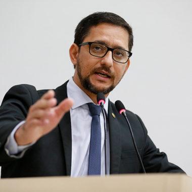 CORONAVÍRUS – Deputado Anderson indica que governo distribua com urgência alimentos da merenda escolar para famílias de estudantes de baixa renda