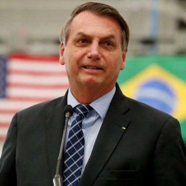 Bolsonaro diz em rede social que seu exame de coronavírus deu negativo