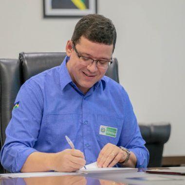 Assinada ordem de serviço para modernização do Complexo Esportivo João Saldanha em Guajará-Mirim