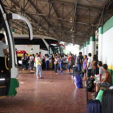 Agero regulamenta serviços de transporte de passageiros e suspende multas das empresas