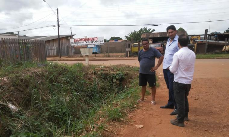 Vereador Marcio Pacele solicita limpeza de bueiro e drenagem para ruas do Bairro Lagoinha