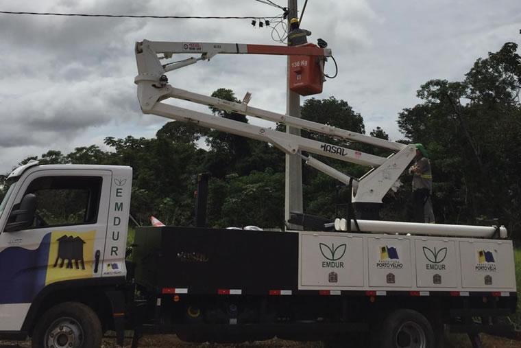 Emdur atende pedido de Marcio Pacele e inicia instalação de pontos de iluminação pública na Comunidade Vila de São João