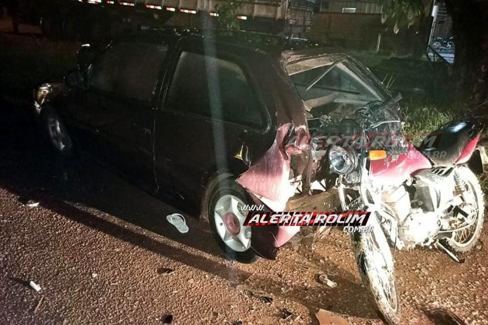 Motociclista é socorrido após atingir traseira de veículo estacionado