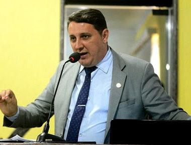 SEM PACIÊNCIA – Vereador Júnior Cavalcante preocupado com o Coronavírus cobra atitude de secretários municipais e xinga geral – ÁUDIO