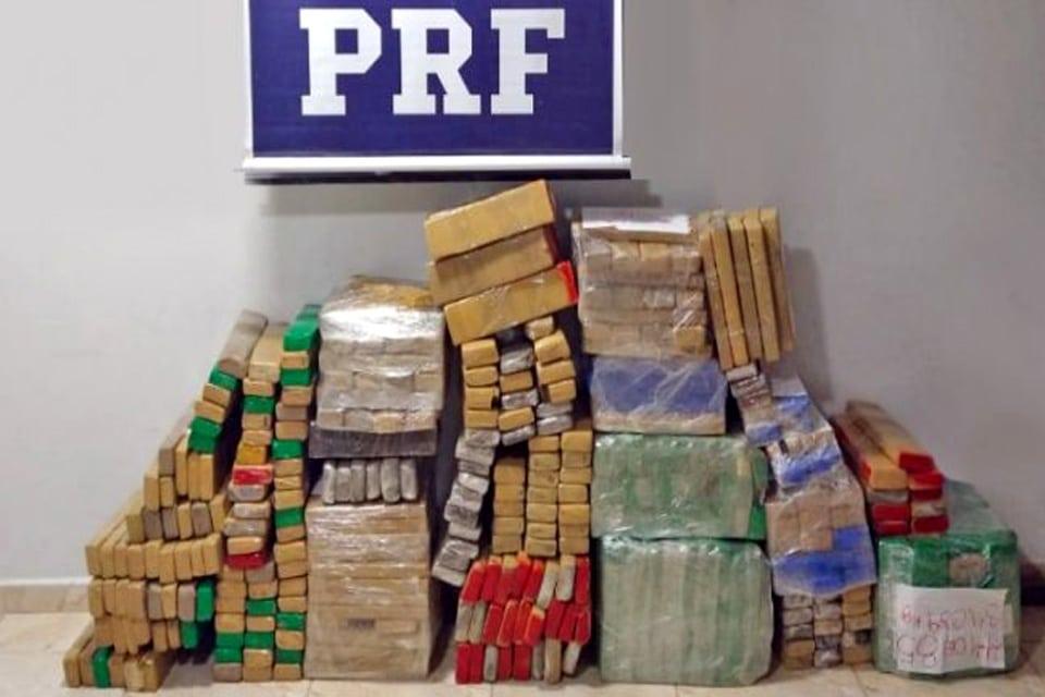 PRF apreende quase 400 quilos de maconha em Rondônia