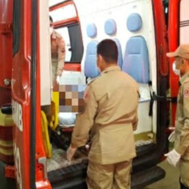 Jovem leva facada durante roubo de celular na zona leste