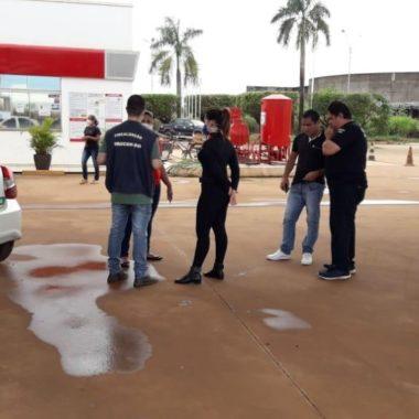 Polícia Civil e Procon fazem operação em postos de combustíveis na capital