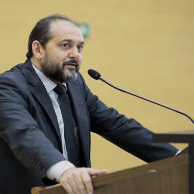 Presidente Laerte Gomes defende que servidores que atuam diretamente contra o Coronavírus, sejam recompensados